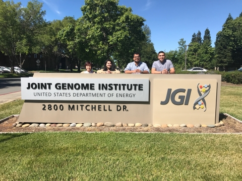 Summer 2017 Cohort outside of JGI